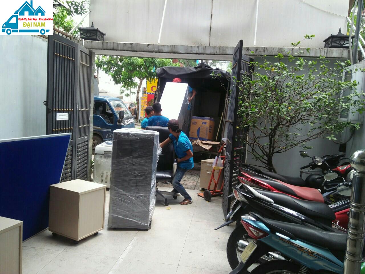 Công ty bốc xếp hàng hóa quận Bình Tân uy tín, chuyên nghiệp tại TP.HCM